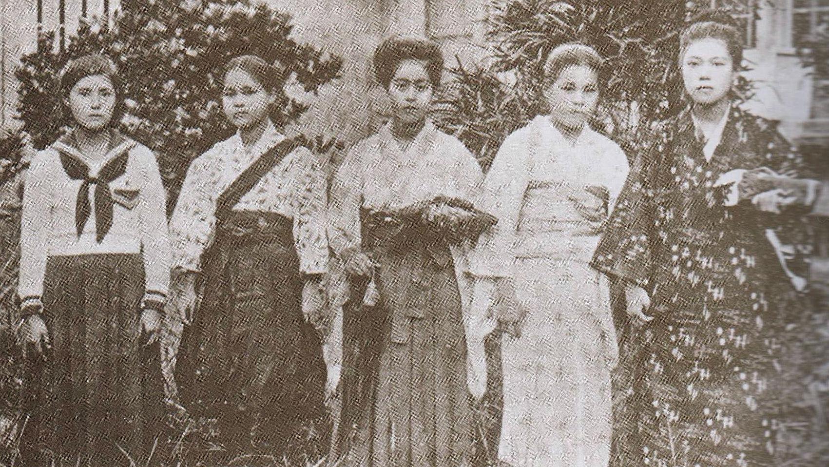 女子生徒の服装の変遷
